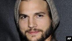Ashton Kutcher y Charlie Sheen encabezan nuestra lista de celebridades que han tenido que abandonar la red social por sus propios errores.