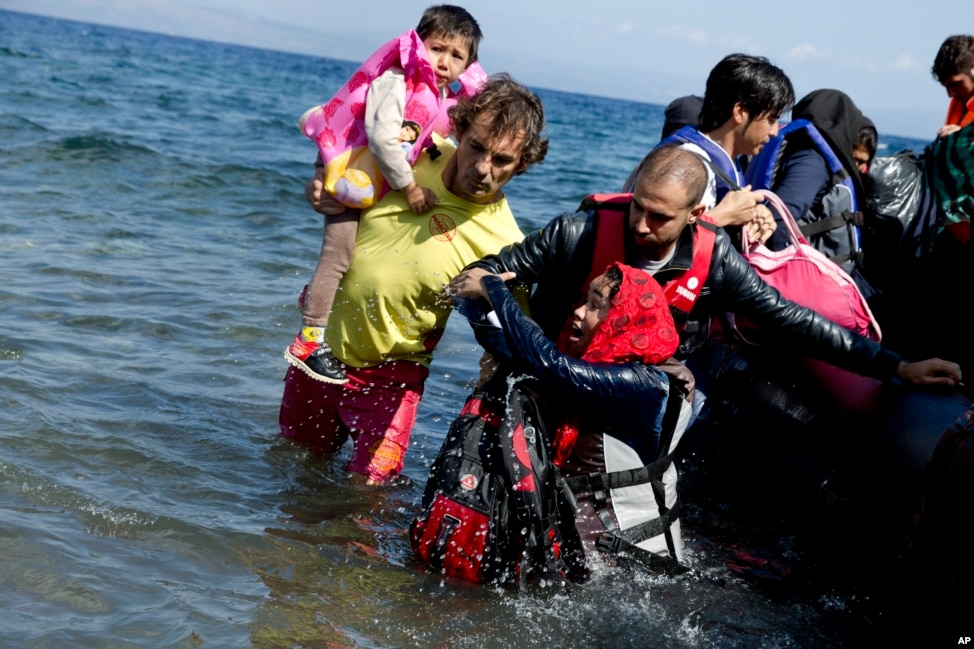 migrant life in greece during the economic crisis He knew only that greece was part of europe, and to his mind,  smugglers  capitalize on such ignorance about greece, where the economic crisis has  are  particularly vulnerable to the hardships of migrant life in greece.