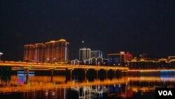 芷江夜景(美国之音林森拍摄)