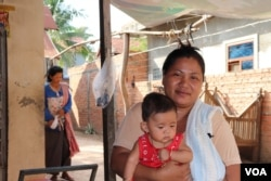 Srey Kunthear, 38, a garment worker for more than twenty years, talks to VOA Khmer on May 20, 2019, in her village in Chbar Ampov district about her experience in the census, which she says, enumerators spent less than 20 minutes, asking her about her family. (Phorn Bopha/VOA Khmer)