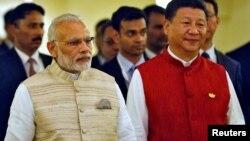 印度总理莫迪(左)和中国国家主席习近平(资料照片)