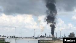 Завод Exxon Mobil в Техасі