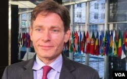 FILE - Assistant Secretary of State for Democracy, Human Rights, and Labor Tom Malinowski (N. Ching/VOA)