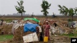 ရခိုင္ျပည္နယ္မွ ႐ိုဟင္ဂ်ာ IDP ဒုကၡသည္မ်ား (၁၅ ေမ ၂၀၁၃)