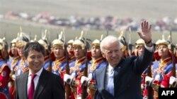 Nënpresidenti Xho Biden viziton Mongolinë