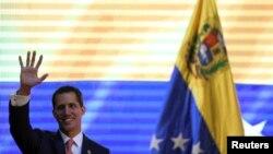 El líder de la oposición venezolana, Juan Guaidó, ha sido reconocido por muchas naciones como el legítimo gobernante interino del país.