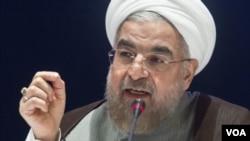 """آقای روحانی می گوید ارجاع توافق به پارلمان اقدام """"غیر ضروری حقوقی"""" است که بالای مردم ایران تحمیل می گردد."""