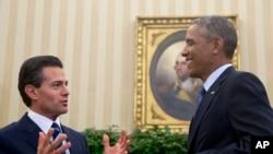 En declaraciones a medios mexicanos, el presidente Enrique Peña Nieto dijo que los comentarios de Donald Trump sobre México afectan las relaciones con Estados Unidos, y comparó su retórica con la de dictadores como Adolf Hitler o Benito Mussolini.
