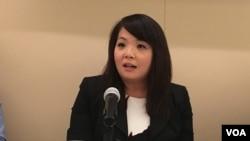 台湾执政的民进党驻美代表处资深专员萧舜文在全球台湾研究所以新南向政策为主题的座谈会上(美国之音钟辰芳拍摄)