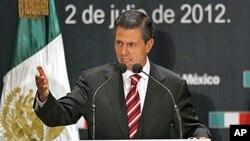 2일 기자회견장에서 발언하는 멕시코 대선 당선자 엔리케 페냐 니에토 후보.