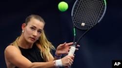 Tuyển thủ quần vợt người Nga - Yana Sizikova.