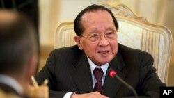 Ngoại trưởng Campuchia Hor Namhong đã đến Trung Quốc chỉ 1 tuần sau chuyến thăm của Ngoại trưởng Mỹ John Kerry.
