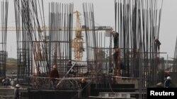 金邊建築工地的工人。 (資料照)