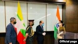 ႏိုင္ငံေတာ္ အတိုင္ပင္ခံပုဂၢိဳလ္ ေဒၚေအာင္ဆန္းစုၾကည္၊ အိႏၵိယတပ္မေတာ္ ၾကည္းတပ္ဦးစီးခ်ဳပ္ ဗိုလ္ခ်ဳပ္ႀကီး MM Naravane ၊ အိႏၵိယႏိုင္ငံ ႏိုင္ငံျခားေရးအတြင္းဝန္ Shri Harsh V Shringla၊ ျမန္မာႏိုင္ငံဆိုင္ရာ အိႏၵိယႏိုင္ငံသံအမတ္ႀကီး Shri Saurabh Kumar။ (ဓာတ္ပုံ - India in Myanmar (Embassy of India, Yangon) - ေအာက္တိုဘာ ၀၅၊ ၂၀၂၀)