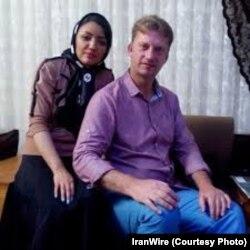 عکسی که از آقای وایت و دوست دخترش در ایران منتشر شده است.
