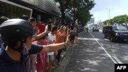Đoàn xe của Tổng thống Trump được người dân Đà Nẵng nồng nhiệt chào đón hồi tháng 11/2017