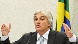 """""""Lula e Dilma sabiam da corrupção na Petrobras"""", acusa Delcídio do Amaral"""