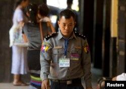 Ông Moe Yan Naing tại một phiên tòa xét xử hai phóng viên của Reuters ở Yangon, Myanmar, ngày 20 tháng 4, 2018.