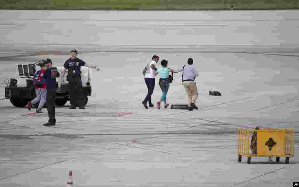 Las operaciones en el aeropuerto fueron canceladas hasta nuevo aviso.