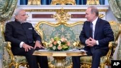 印度總理莫迪12月24日訪問俄羅斯與普京在克里姆林宮見面。