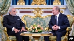 俄罗斯总统普京在莫斯科克里姆林宫与到访的印度总理莫迪举行会谈。(2015年12月24日)