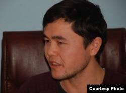 Ergash Jumayev iqtisodiyot va tijorat huquqi bo'yicha Turkiyada doktorlik tadqiqotini olib bormoqda.