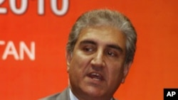 Pakistani Foreign Minister Shah Mehmood Qureshi strongly denies links between the ISI and the Taliban (file photo)