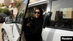 Perempuan Saudi kini sudah boleh mengemudikan mobil sendiri (foto: ilustrasi).