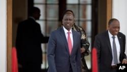 Makamu wa Rais wa Kenya Wiliam Ruto akielekea kuhudhuria moja wapo ya vikao vya mahama ya ICC.