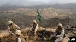 Leşkerên Saudî li sînorê Yemenê (Arşîv)
