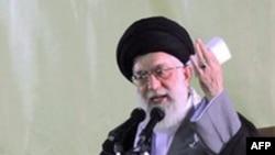 Lãnh tụ tối cao của Iran Ayatollah Ali Khamenei kêu gọi giới Hồi giáo có thế lực hỗ trợ cho cuộc tranh đấu của Hồi giáo tại quốc gia Afghanistan, Pakistan, Iraq, Palestine và Kashmir