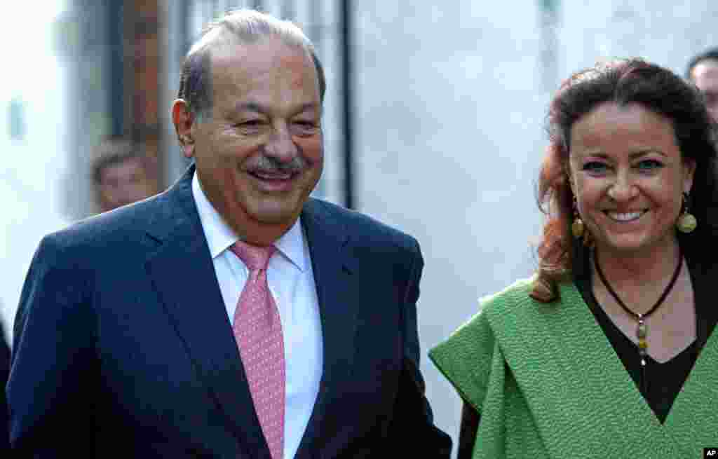Carlos Slim Helu (left), age 73. Net worth: $73 billion
