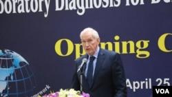 美國在台協會主席莫健2017年4月25日在美台國際研習營開幕式上講話,支持台灣參加WHA. (申華拍攝)