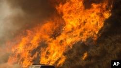 加州山火在燃燒 (資料照片)