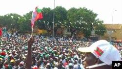 Campannha eleitoral tem criado um ambiente de suspeições entre os políticos angolanos (Foto - Comício da UNITA)