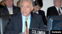 Embajador Andrés González analiza la crisis de Venezuela y la OEA