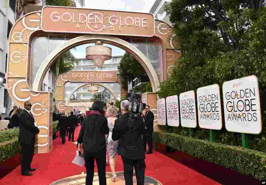 ممتاز فلمی ایوارڈ گولڈن گلوب کی 73 ویں سالانہ تقریب کیلیفورنیا میں ہوئی۔