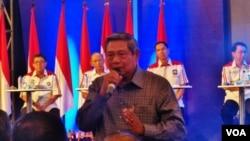 Ketua Umum Partai Demokrat, Susilo Bambang Yudhoyono menghadiri final konvensi Capres Partai Demokrat di hotel Grand Sahid Jaya, Jakarta, hari Minggu 27/4 (foto: VOA/Iris Gera).