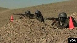 Pasukan keamanan Yaman melakukan latihan untuk menghadapi pemberontakan militan al-Qaida.