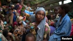 En Afrique, des dizaines de milliers de jeunes filles et jeunes femmes manquent l'école parce qu'elles n'ont pas accès à des serviettes hygiéniques (Reuters)