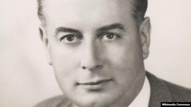 Thủ tướng Úc Gough Whitlam.