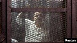 14 miembros de la Hermandad Musulmana, incluyendo su líder, han sido condenados a muerte en Egipto.
