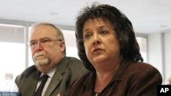 新墨西哥州共和黨籍州務卿杜蘭(右)。