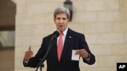 美國國務卿克里11月6日會見巴勒斯坦民族權力主席阿巴斯後發表講話。