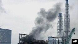2011年3月日本福岛核电站三号反应堆一带冒烟