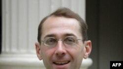 美国海军战争学院国际战略教授霍尔姆斯