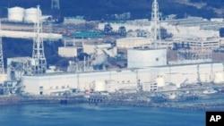 鸟瞰引发核危机的福岛核电站