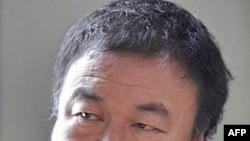 Họa sĩ Ngải Vị Vị là người giúp thiết kế sân vận động Tổ chim nổi tiếng của Trung Quốc