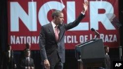 El presidente Barack Obama tras pronunciar un discurso en la sede del Consejo Nacional de la Raza, en Washington.