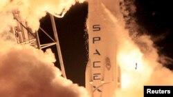راکت فالکون-۹ شرکت اسپیس اکس، روز جمعه یک ماهواره ارتباطاتی ژاپن را در مدار زمین قرار داد